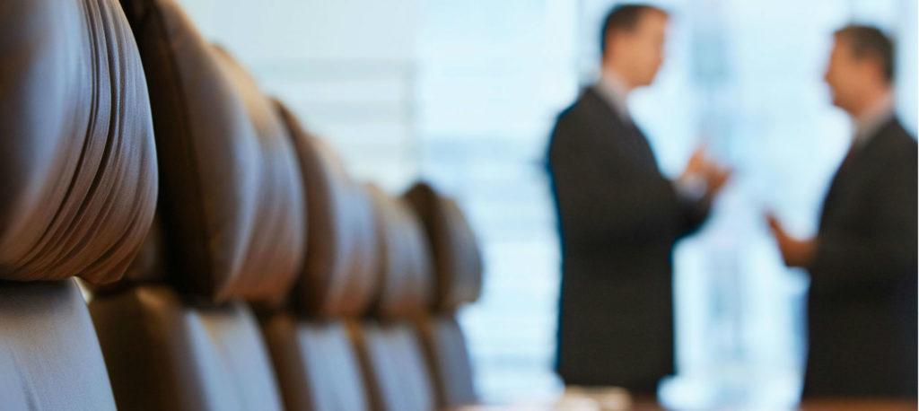 Адвокат по ведению арбитражных споров.